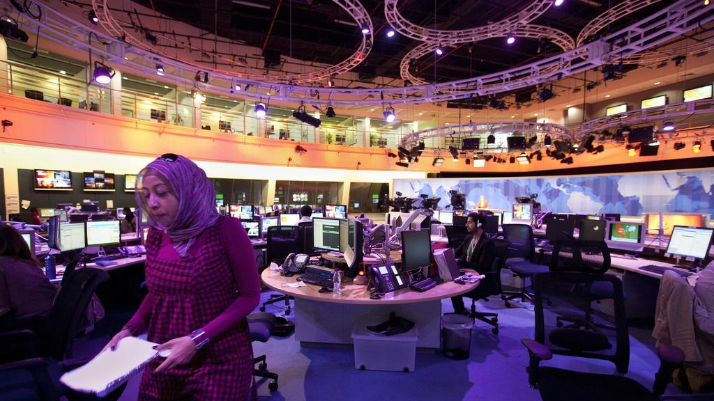 Al-Jazeera, deux journalistes renvoyés pour des propos sur l'holocauste.